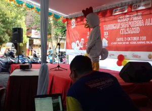 Bank Sampoerna melakukan penarikan undian Grand Prize Tabungan Sampoerna Alfaku di Alfamart Danau Sentani, Sawojajar, Kota Malang, Jatim.