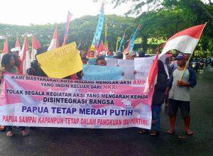 Mahasiswa asal Papua di Malang melakukan aksi demo. Mereka berikrar cinta NKRI.