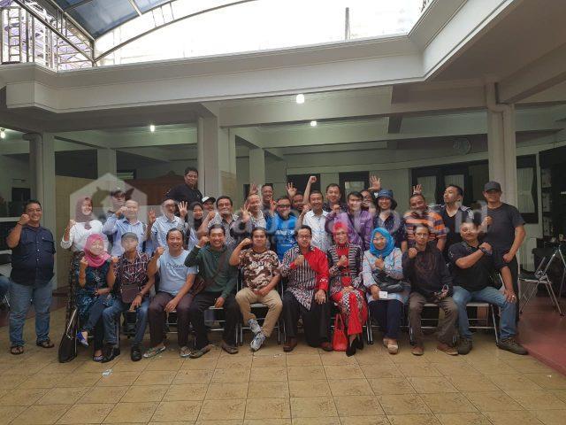 Wali Kota Malang Sutiaji bersama timsesnya di rumah dinas, Jl Ijen 2, Kota Malang. Ahad (2/12/2018).