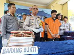 Pencuri tegel yang dapat upah Rp 100 ribu ini terancam hukuman 5 tahun penjara