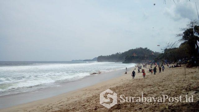 Kawasan Pantai Malang Selatan yang rawan tsunami dan gempa bumi.