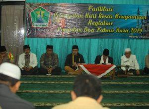 Wali Kota Sutiaji memimpin panjatan doa jelang pergantian tahun baru.