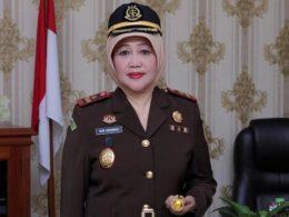 Kajari Kota Batu Nur Chusniah SH MH yang diangkat menjadi Kasubdir di Kejagung RI.