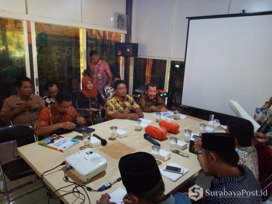 Komisi C DPRD Kota Malang kala mengunjungi kantor DLH Kota Malang.
