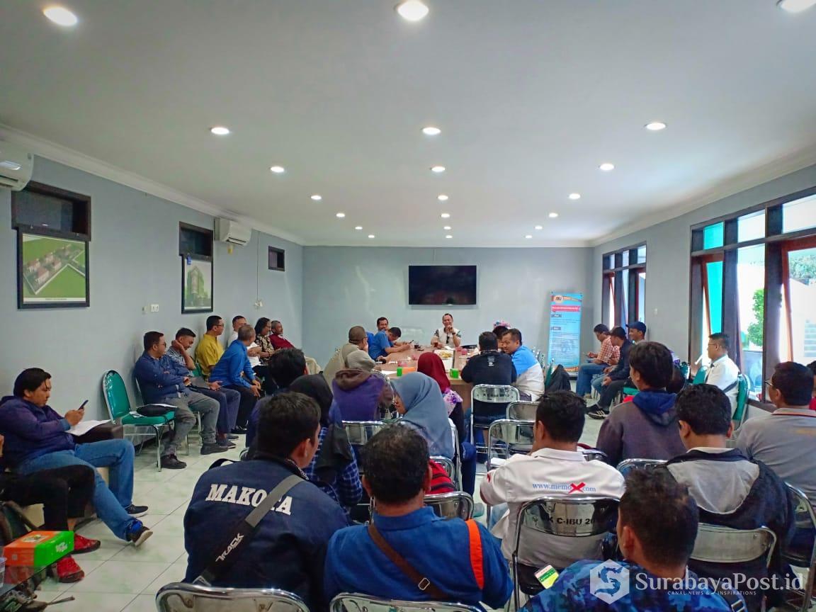 Para jurnalis di Malang Raya saat mengikuti sesi technical meeting di kampus C IKIP Budi Utomo Malang, Selasa (15/1/2019)