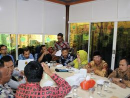 Anggota DPRD Kabupaten Mojokerto bersama Kepala DLH Kabupaten Mojokerto melakukan Kunker ke DLH Kota Malang