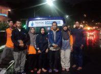 Relawan Malang Raya saat menjemput jenazah Endah Prihatin (39), Warga Muharto, Kedungkandang, Kota Malang yang terlantar di Bali.
