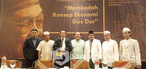 Rizal Ramli bersama para kiai usai bahas soal  konsep ekonomi Gus Dur.
