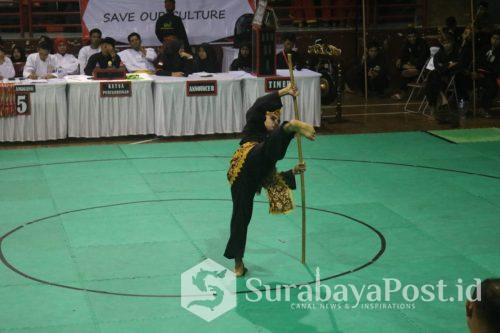 Muhammad Taqiyyudin, mahasiswa semester 1 IKIP Budi Utomo Malang saat berlaga di kejuaraan internasional Pencak Silat Terbuka PPS PAKU BUMI Open VI 2019 di Bandung.