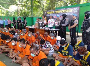 Sebanyak 90 orang tersangka kasus narkoba ini merupakan hasil tangkapan Polres Malang, Jawa Timur selama 12 hari.