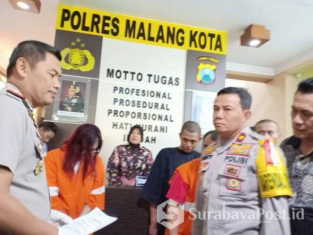 Kapolres Malang Kota AKBP Asfuri SIK MH (kiri) saat merilis tersangka Narkoba.