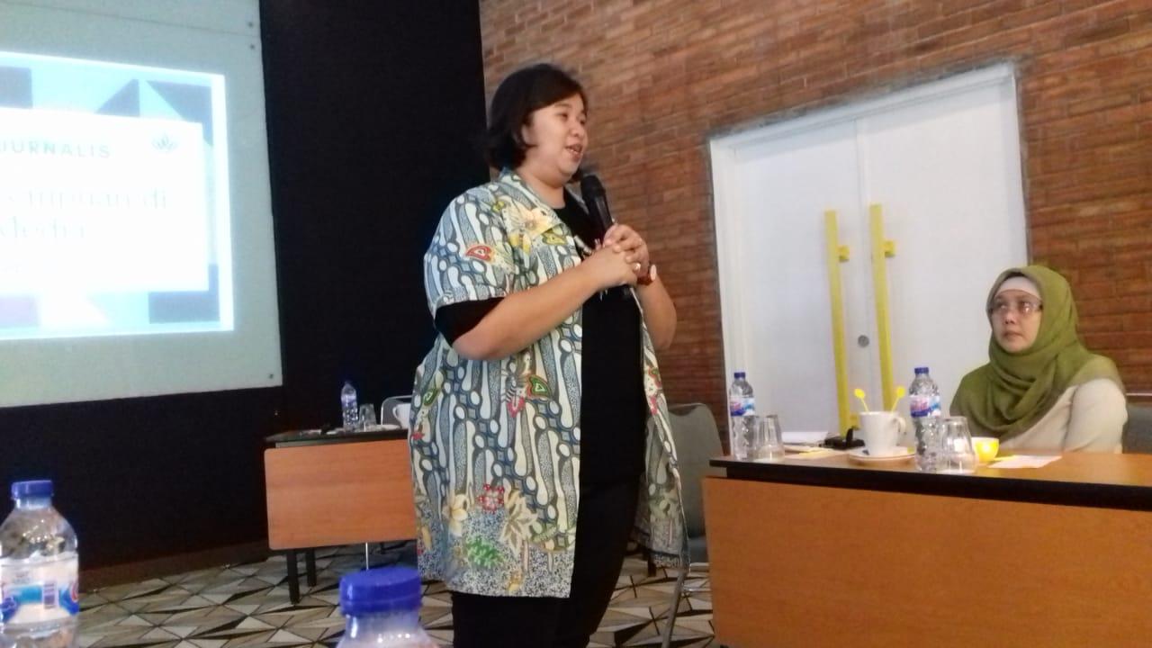 Direktur YKP Nanda Dwintasari
