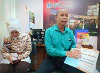 Kepala PMB Unikama Ali Ismail didampingi Kepala Humas, Retno Wulandari, M.SA., Akt.,ACPA.