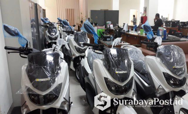 Sebanyak 10 unit sepeda motor jenis X - Max di ruangan Kantor Dishub Kota Batu ini akan menjadi kendaraan operasional untuk anggota.
