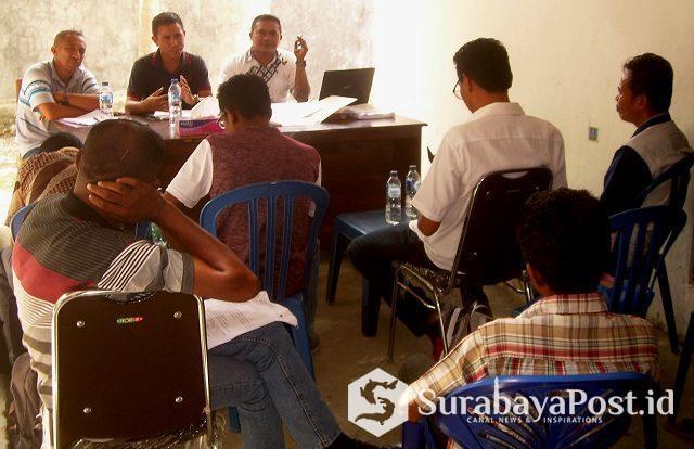 Suasana rapat Bawaslu Kabupaten Malaka bersama pimpinan parpol se-Kabupaten Malaka di Sekretariat Bawaslu Malaka terkait bimbingan teknis para saksi pemilu 2019, Sabtu (06/04/2019).