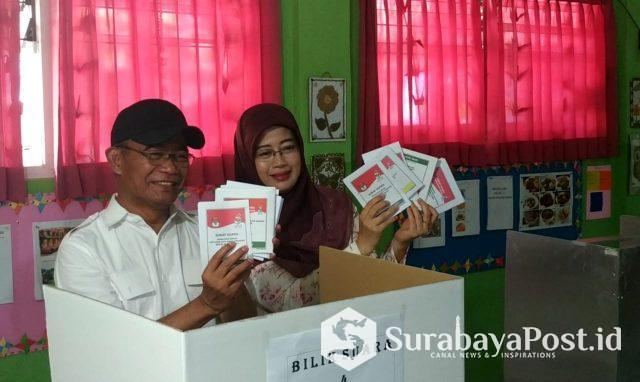 Mendikbud Muhadjir Effendy kala mencoblos di Kota Malang