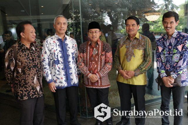 Saat itu Wali kota Sutiaji didampingi Sekkota Wasto, Asisten Administrasi Umum Pranoto, Kepala BPKAD Sapto P Santoso dan Kabag Humas Widianto di acara Musrenbangnas di Jakarta.