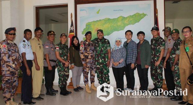 Tim Dispenad pose bersama para pejabat PLBN Wini Kabupaten TTU.