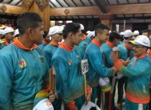 Wawali Punjul Santoso memberikan semangat pada ratusan atlet Kota Batu yang bakal berlaga di ajang Porprov Jatim.
