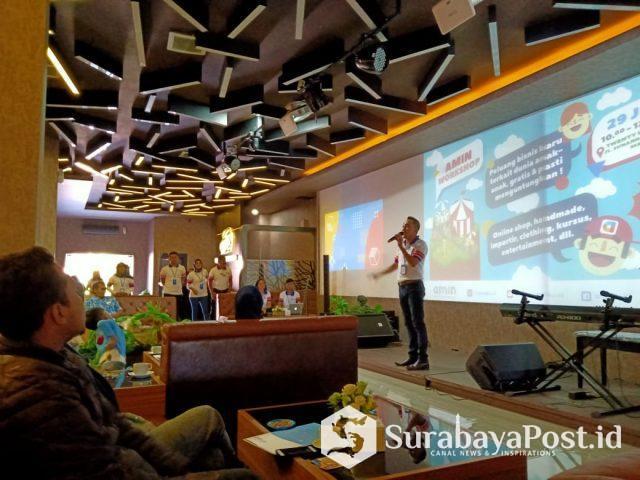 Ferry Bambang Tjahyono, S.E, CEO AMIN, saat memberikan paparan Aplikasi AMIN di hadapan ratusan peserta workshop.