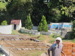 Pbangunan makam di Pemakaman Sentong Lama yang dotengarai diperjualbelikan secara ilegal.