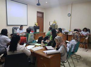 Tim TP4D Kejari Kota Malang, saat mendengarkan paparan rencana kegiatan pekerjaan RSUD yang dilakukan Dinkes Kota Malang di Kejari Kota Malang